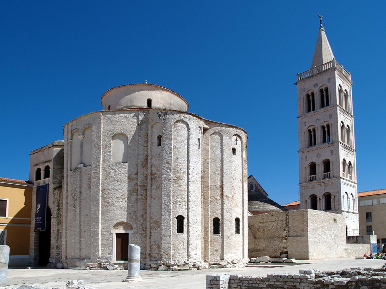 Kostel sv. Donáta a zvonice katedrály sv. Anastázie