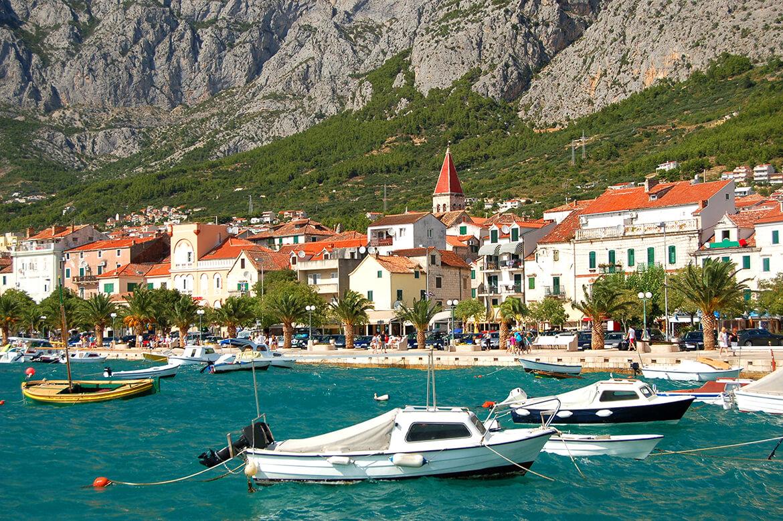 Pohled na městečko Makarska