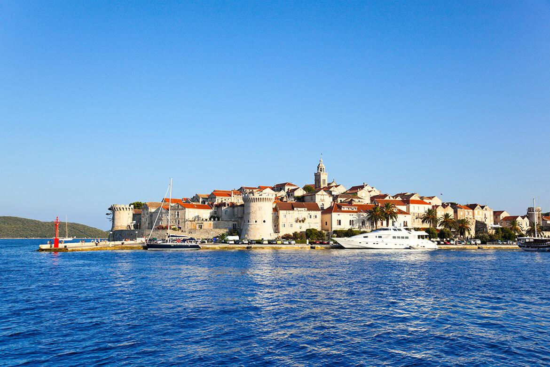 Město Korčula na stejnojmenném ostrově