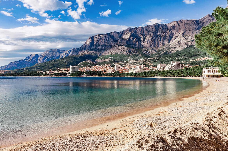 Pláž Donja Luka v Makarske