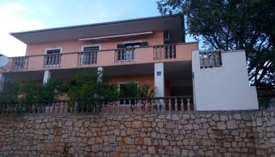 Apartmány Dadić-near pebble beach Jaz